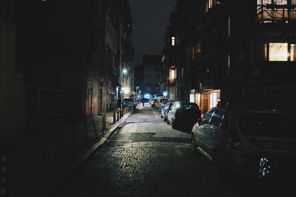 Der Heimweg durch die Dunkelheit